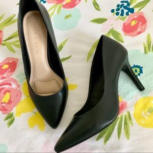 Kelly & Katie black pointed toe faux leather pumps